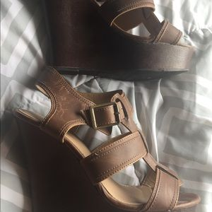 Shoes - Strapped wedges ✨